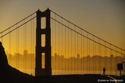 Silhouette der Golden Gate Bridge, San Francisco, Kalifornien