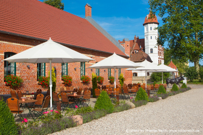Farmer Steakhouse am Schloss Basedow